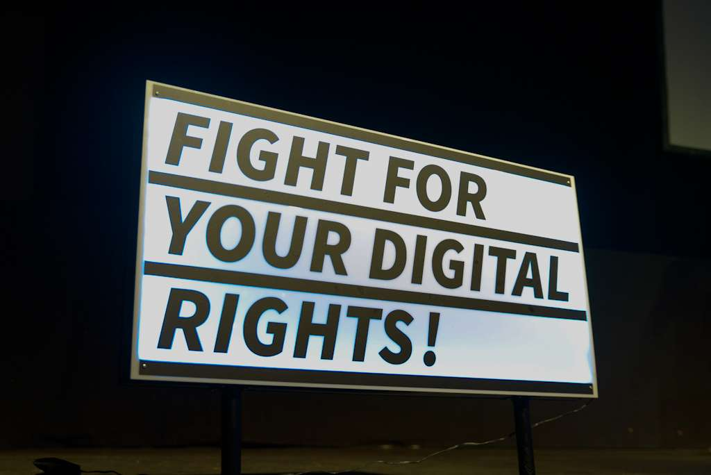 Imagen original de netzpolitik.org: Fight for your digital rights